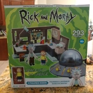 Rick and Morty SPACESHIP And GARAGE 293 Piece W//Figures**Brand New** New